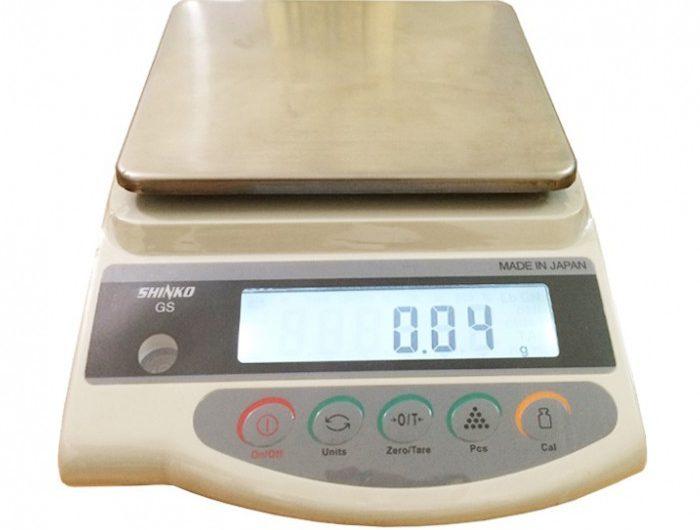 b30caede84-700x530 Cân Điện Tử Shinko GS2202N 2kg/0.01g Cân vàng điện tử